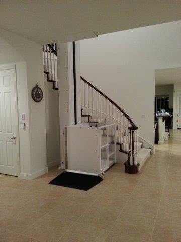 Mac's EVL-144 between stairs