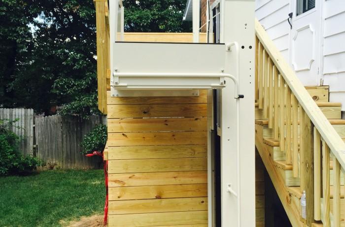 Mac's Vertical Home Lift PL-90